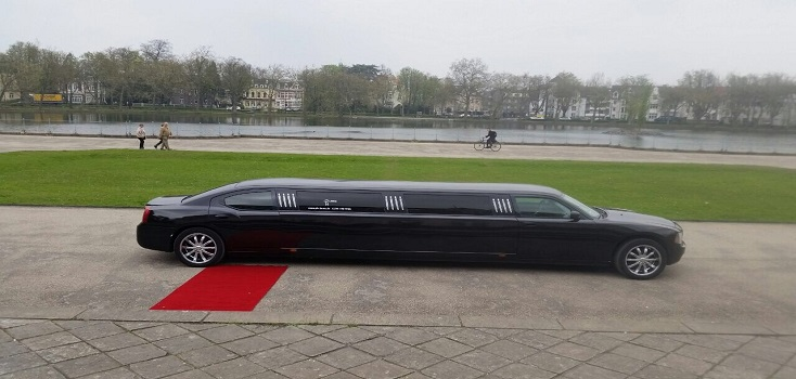 Limousine mieten Dodge Charger in schwarz